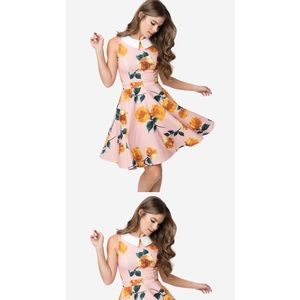 Smak Parlour fit&flare pink floral w/ white collar